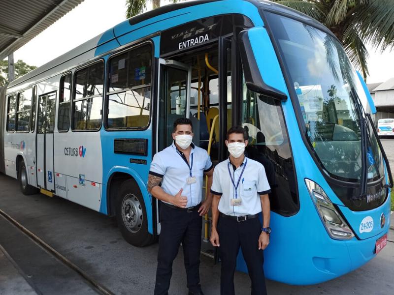 O Governo do Estado encomendou 30 mil máscaras que já começaram a ser entregues aos rodoviários para que usem dentro dos coletivos como forma de evitar a propagação da Covid-19