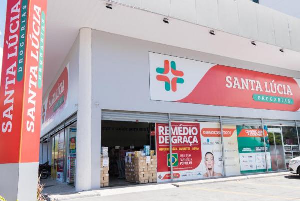 A rede Santa Lucia é a nova parceira do GVBus. Nessas farmácias, já é possível comprar e recarregar o CartãoGV