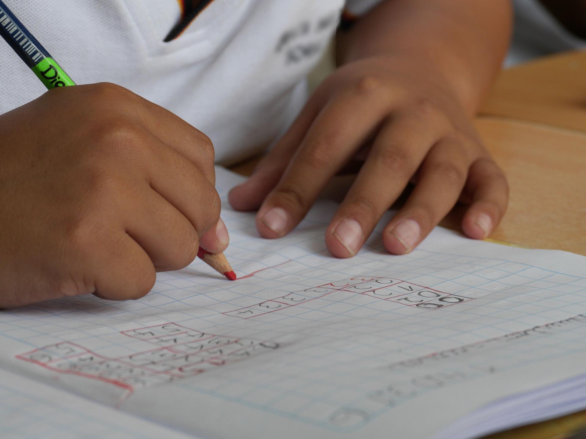 A liberação do passe escolar só será feita para as instituições de ensino infantil, fundamental e médio que formalizarem o retorno das atividades presenciais ao GVBus